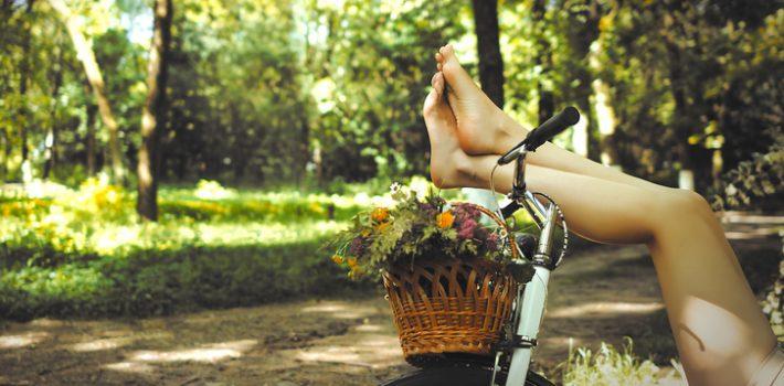 femme au jambe legere